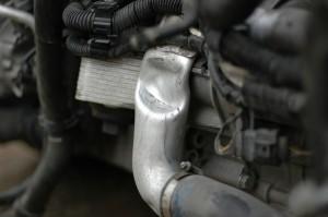 Isompi flekti oli painanut ahtoputken lyttyyn, ja putki taas starttimoottoriin. Startti meni myös vaihtoon. Löytyi onneksi uudenveroinen käytettynä purkaamolta.