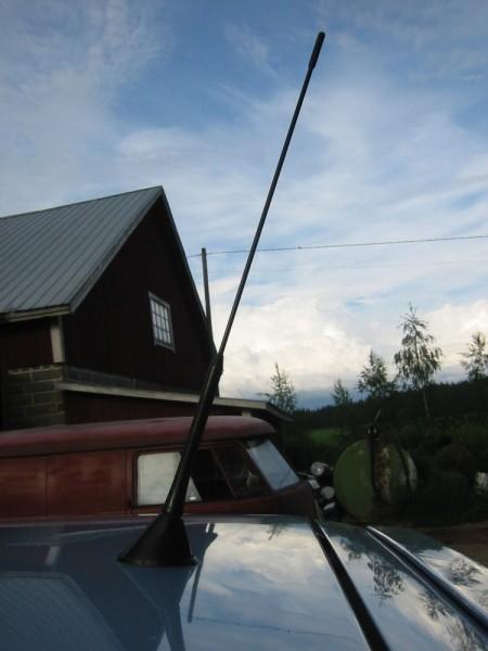Antenni oli muuten Skoda Octaviasta :-) Ja hyvä antenni olikin. Ei siinä varmaan hirveämmin muuta eroa VW:n omaan ole kuin että on hiukan pystymmässä.