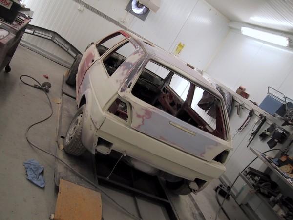Tässä alkaa sitten auto olla jo valmiina itse maalaukseen.